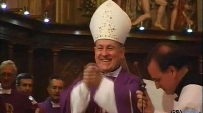 Vicente Jiménez, en su despedida como obispo de Santander. / PopularTV