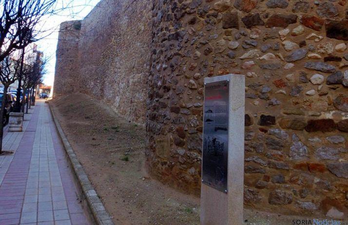 Tramo restuarado de la muralla de Santa Clara.