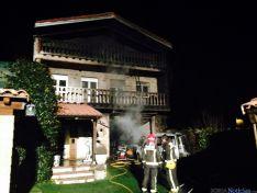Los bomberos una vez sofocadas las llamas. / Ayto. Soria