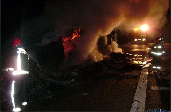 Los bomberos en una de sus intervenciones. / Ayto.