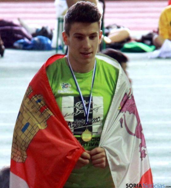 Alberto Garatachea, con su medalla de oro.