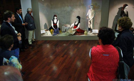 Una de las estancias del Museo el Traje, en Morón de Almazán. / SN