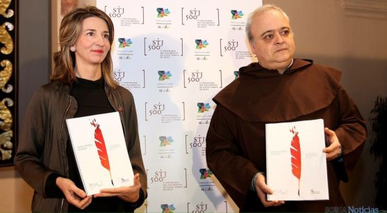 Alicia García y el vicario carmelita Emilio José Martínez. / Jta.