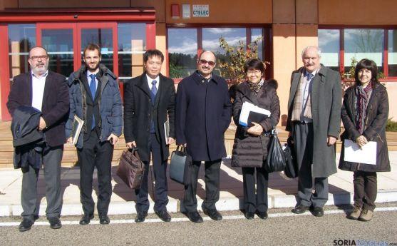 La embajadora, tercera por la derecha, en el CEDER.