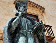 Estatua de Diego Laínez, en Almazán. / SN