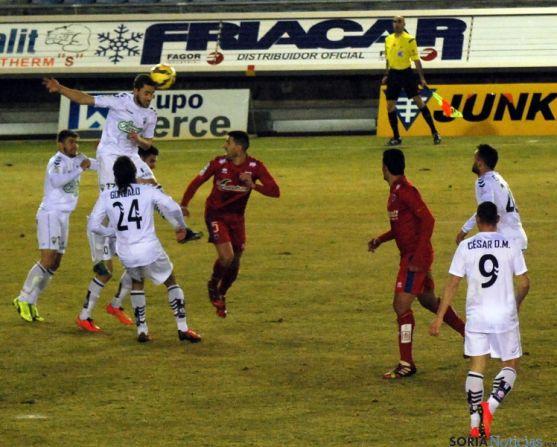 El Numancia no logra la victoria ante el Albacete en un partido sin mayor historia.  / SN
