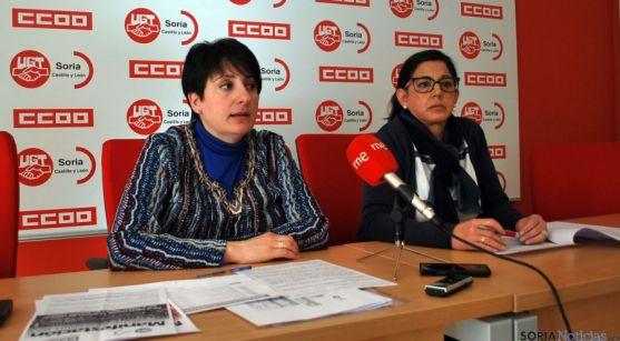 Ana Romero de CC OO (izda.) y Marisa Ajenjo, de UGT, este viernes. / SN