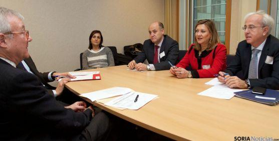 Del Olmo, en su reunión con  el vicepresidente del Parlamento Europeo. / Jta.
