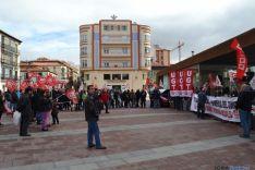 Foto 2 - Los sindicatos denuncian que se ha vuelto a los años setenta y exigen convenios para todos