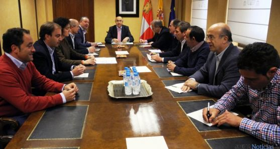 Reunión de miembros de ASAJA con Ruiz Medrano.