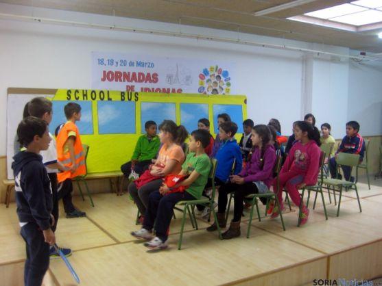 Los niños del colegio en las jornadas.