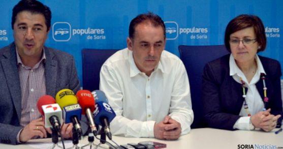 Jesús Peregrina (izda.), Benito Serrano y Marimar Angulo. / SN