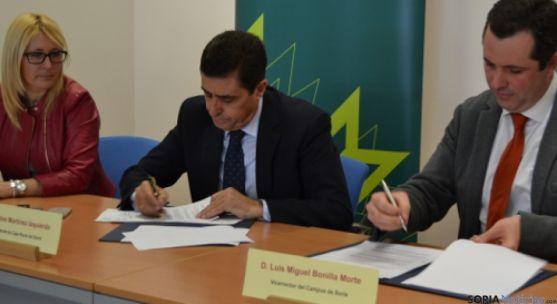 Firma Convenio Caja Rural y Campus
