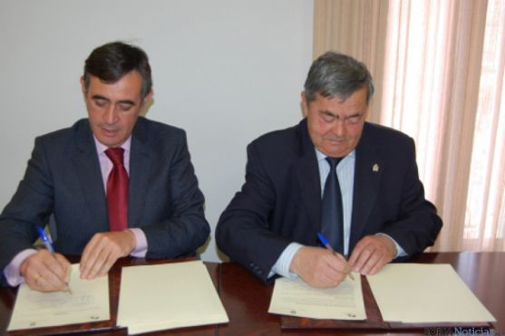 Firma convenio Diputación en Quintana Redonda