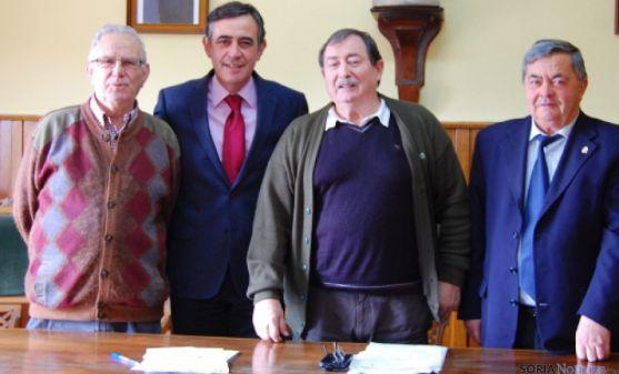 Pardo en visita a la comarca de Izana