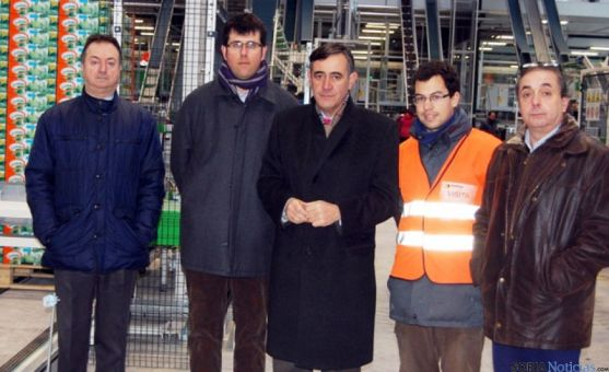 Pardo junto a representantes municipales de El Burgo y San Esteban