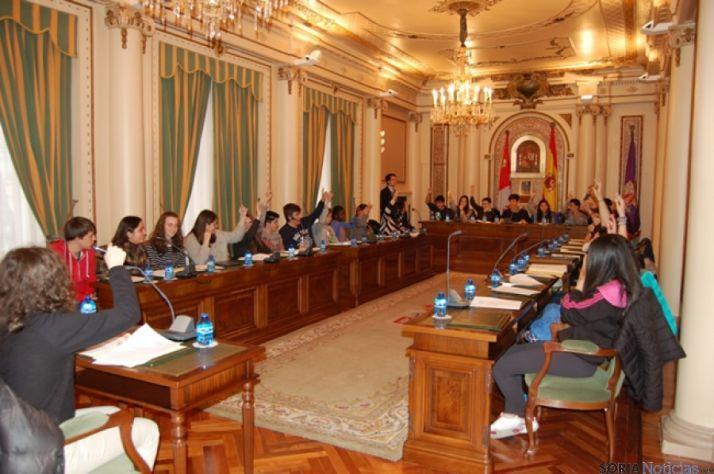 Alumnos en el Pleno