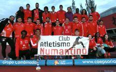 Los atletas del Numantino tras el triunfo.