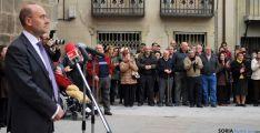 El alcalde de Ágreda, en primer término, en la concentración este miércoles. / SN