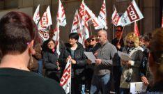 Concentración sindical frente a la sede de FOES