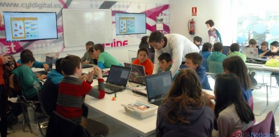 Alumnos del CEIP Las Pedrizas en el Espacio CyL en Soria. / Jta.