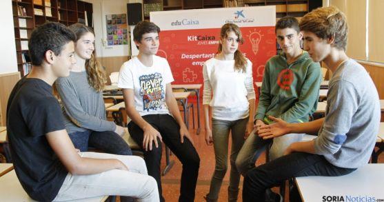 Alumnos en en una sesión del proyecto.