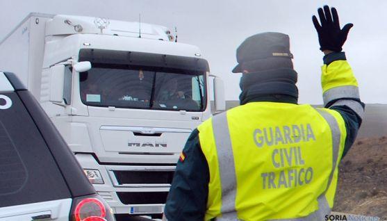 Un agente de Tráfico en Soria. / SN