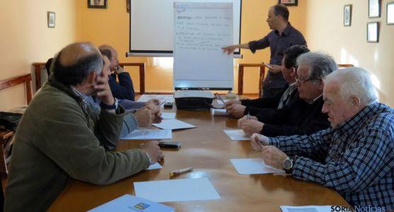 Una de las reuniones del grupo de acción local Tierras del Cid.