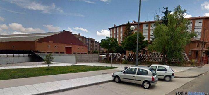 La nave de la Diputación, a la izquierda. / SN