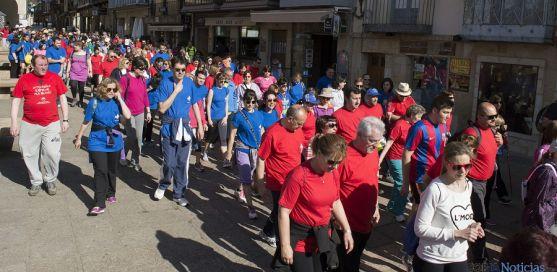 Los camiantes, a la salida en la plaza Mayor. / Belen Larrubia