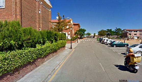 Una de las calles de la urbanización La Loma, que será pavimentada. / GM