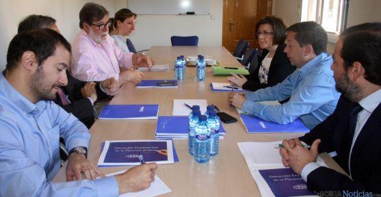 La reunión entre PP y FOES.