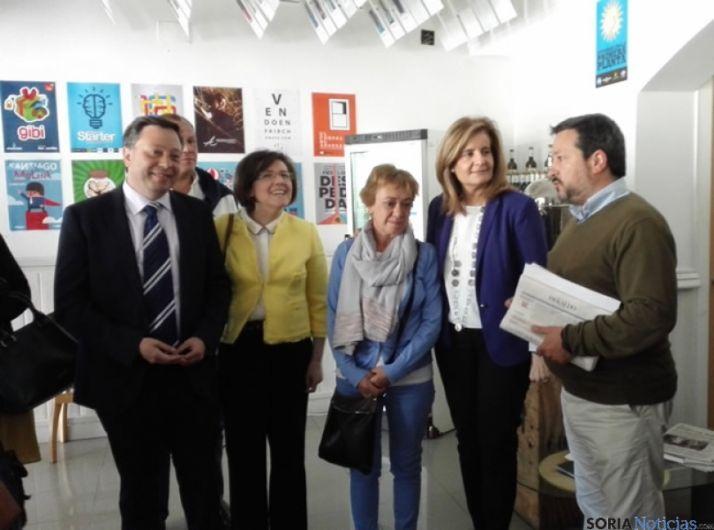 Fátima Báñez visitando El Hueco