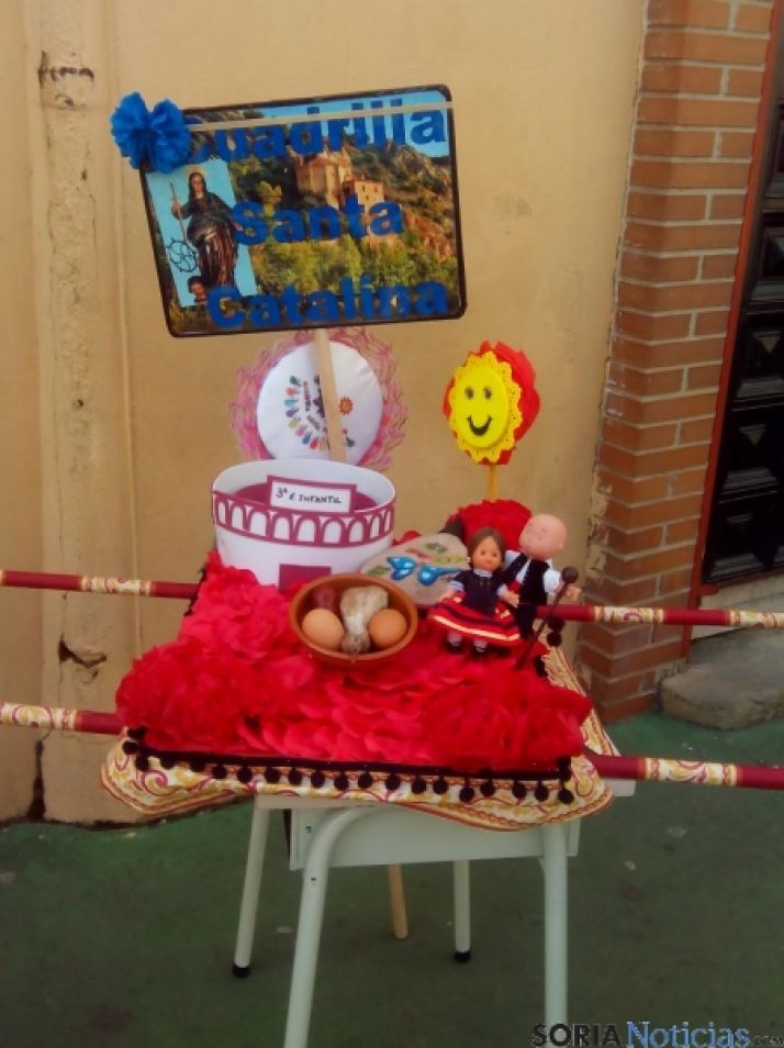 Los alumnos del San José celebran su particular Domingo de Calderas