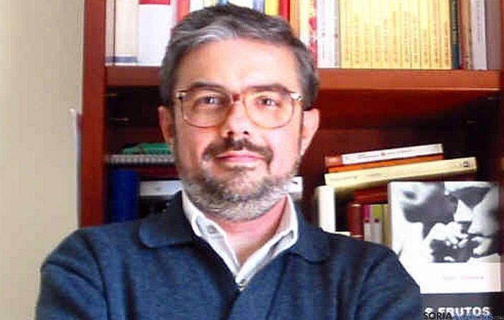 El escritor César Ibáñez.