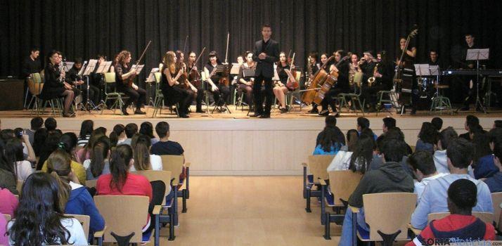La orquesta sinfónica, en el instituto soriano.