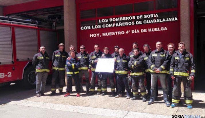 Foto 1 - USO valora de exitosa la movilización de los bomberos de Soria