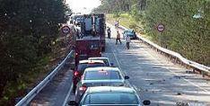 El tráfico, interrumpido tras el accidente. / SN