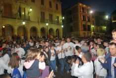 Las cuadrillas, en la plaza Mayor. / SN