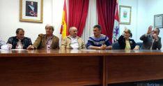 Imagen de la constitución del Ayuntamiento esta madrugada de sábado. / SN