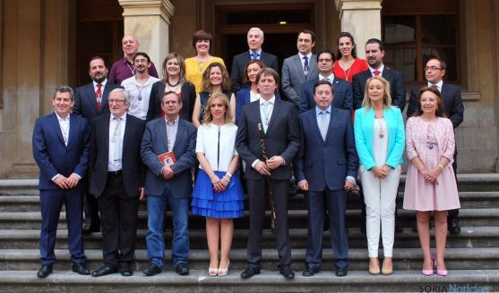 Foto de familia del Consistorio soriano para esta legislatura. / SN