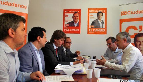 Reunión entre C´s y el PSOE la semana pasada. / SN