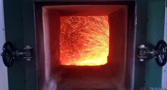 Una de las calderas alimentadas por biomasa de Rebi.