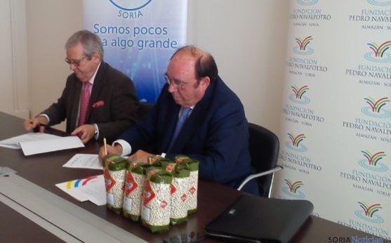 Firma del convenio F.Navalpotro y Banco de Alimentos