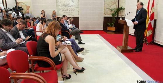 Juan Vicente Herrera, este martes dando cuenta de su nuevo equipo de gobierno regional. / Jta.