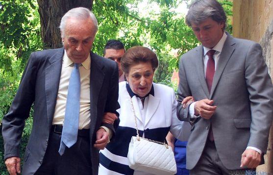 SAR Doña Margarita, con su marido Don Carlos Zurita y el alcalde, Carlos Martínez Mínguez. / SN
