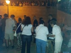 Sorianos participando en la hoguera de San Lorenzo