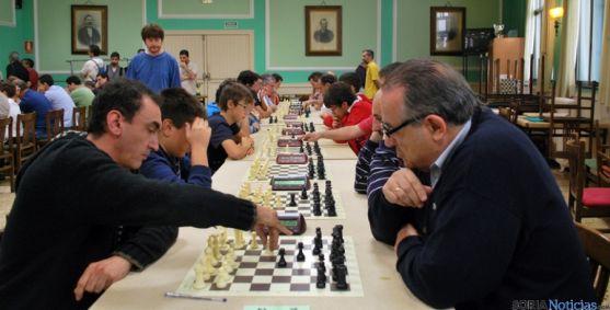 Torneo de ajedrez en el Casino en una imagen de archivo. / SN
