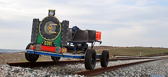 Un 'trempujo', vehículo alternativo para las líneas del tren. / ontime.es
