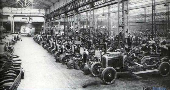 Una factoría de coches a principios del XX.